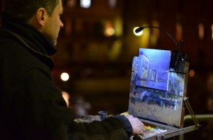 Roy Connelly painting Venice at night